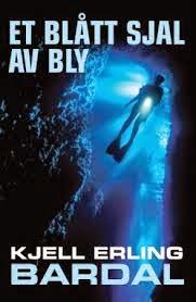 Bokanmeldelse: Et blått sjal av bly av Kjell Erling Bardal