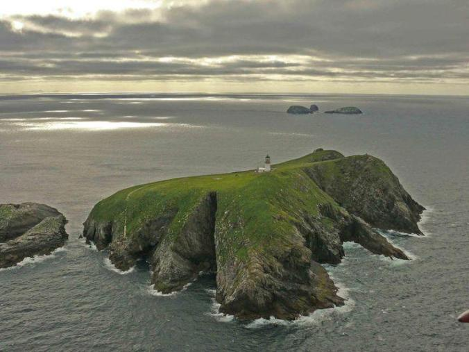 eilean-mor-island-lighthouse